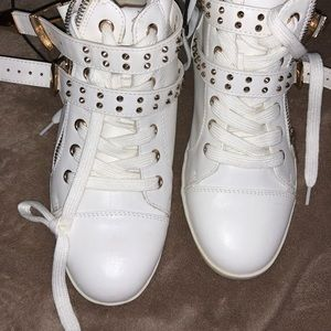 Forever 21 Unisex shoes size 7